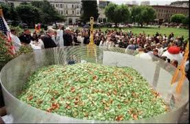 2007, Tijuana, Mexico - largest Caesar Salad - 7,246 pounds! (Photo Credit:  kitchenproject.com)