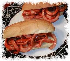 Conditioning may fool your eyes.  Are these worms on a bun or strips of bologna? (Photo Credit:  www.mommy2 abeautifulgirl.com)