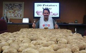 Eating 20 potatoes daily for 2 months allegedly helped this man lose weight (Photo Credit:  www.dailymail.co.uk)