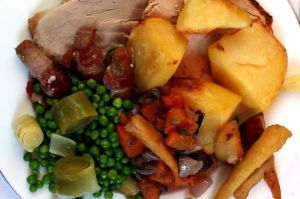 Christmas lunch served at Liverpool Prison, UK (Photo Credit: www.liverpoolecho.co.uk)