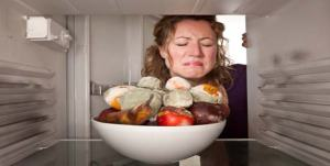 Now, obviously, there is a case to be made for a commingled meal, but not food poisoning! (Photo Credit: www.onlymyhealth.com)