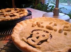 "Although not identified as such, this might be a ""Funeral Pie"". (photo Credit: www.likethedew.com)"