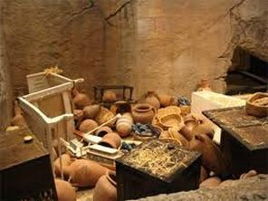 Some of the food and wine left with King Tut in his tomb (Photo Credit: www.kingtuttreasure.weebly.com)
