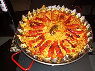 Spanish Paella using bell peppers (Photo Credit: www.en.wikipedia.org)
